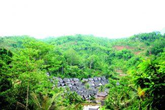 Keseragaman Hidup di Bawah 360 Anak Tangga Kampung Naga